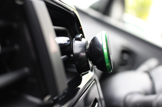 MAGNETIC CAR MOUNT HOLDER picture2